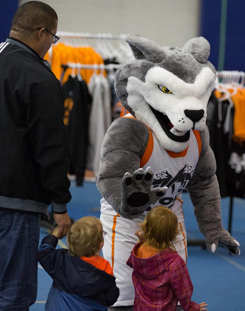 Wolfie meets some kids